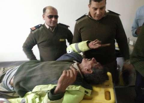 خلال حملة مرورية.. إصابة أمين شرطة صدمته سيارة في القليوبية