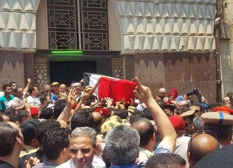 بالصور| طوخ تودع شهيد سيناء في جنازة شعبية مهيبة: الإرهاب لن يكسرنا