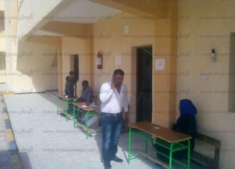 بالصور| الموظفون ومندوبو المرشحين أكثر من الناخبين في الغردقة