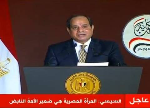 """السيسي لـ""""الشعب"""": """"مش عاوز حد ورايا ولا جنبي.. عاوزكم قدامي"""""""
