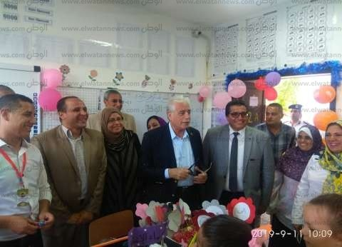 محافظ جنوب سيناء يتابع سير العملية التعليمية بمدارس شرم الشيخ
