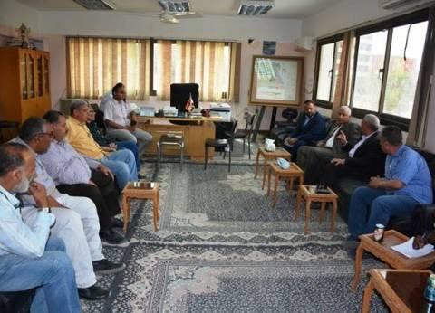 محافظ الوادي الجديد يزور الإدارة المركزية للري