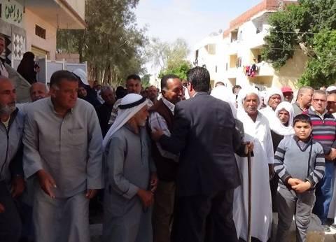 بالصور| إقبال كثيف من أهالي الشيخ زويد على لجان الانتخابات