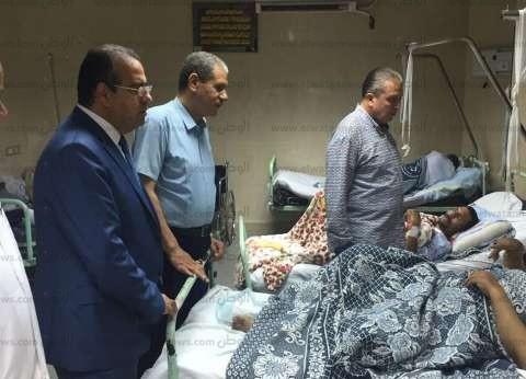 رئيس جامعة المنصورة يتفقد الخدمات الطبية بالمستشفيات ويستمع للمرضى