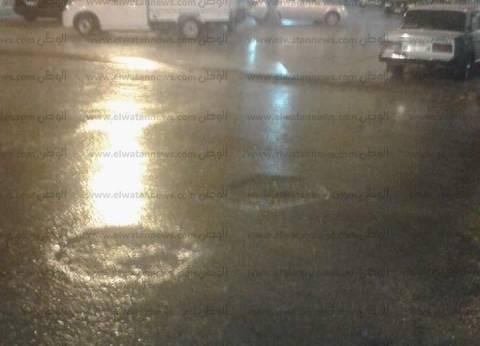 أمطار غزيرة تضرب المدن الساحلية بالبحيرة