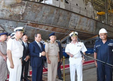 السيسي يتفقد مشروع إنشاء الميناء الغربي برأس التين
