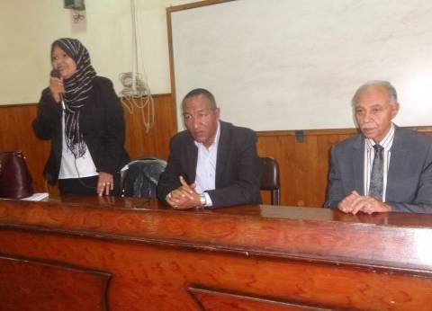 رئيس مدينة الأقصر يلقي محاضرة حول انتصارات حرب أكتوبر