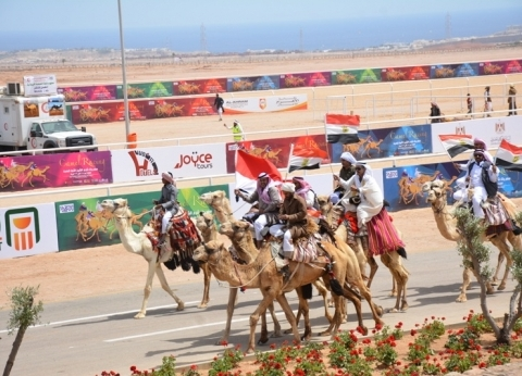 بالصور| رئيس الوزراء يشهد انطلاق بطولة شرم الشيخ الدولية لسباق الهجن
