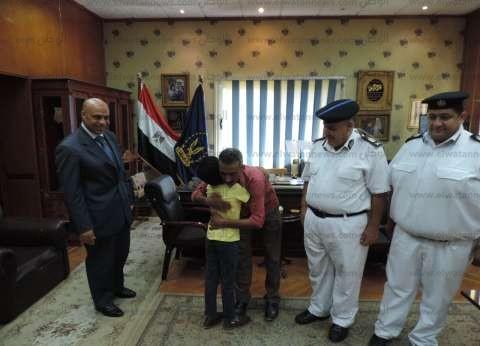مباحث مطروح تعيد طفلا لأسرته: متغيب منذ 3 أيام من مدينة نصر