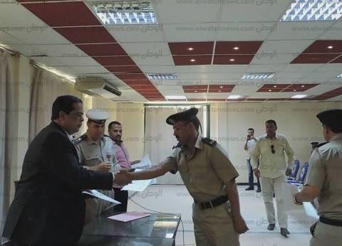 بالصور| مدير أمن كفر الشيخ يُكرم أفراد شرطة متميزين في دورة تدريبية