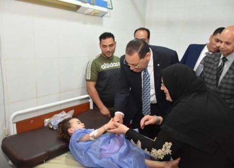 محافظ الشرقية يزور مرضى مستشفى ههيا ويوزع الحلوى احتفالا بالعيد