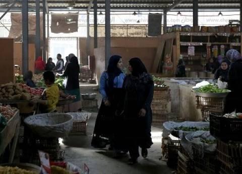 بائعو «الكُنيِّسة» سعداء بالتطوير: «الحمد الله.. السوق الجديد يحمى بضاعتنا»