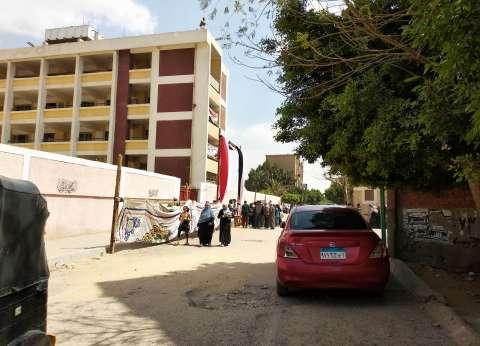 طوابير أمام لجنتي الزهراء و الشيماء بالسلام للمشاركة في الاستفتاء