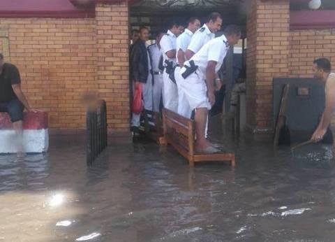 """""""مياه الأمطار"""" تمنع العمل ببعض محاكم الإسكندرية بسبب خطورة نقل المحبوسين"""