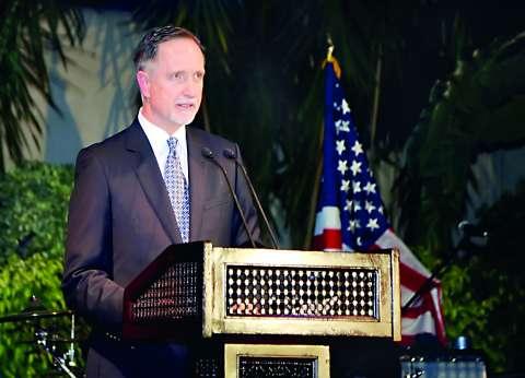 السفير الأمريكى: علاقتنا قوية مع مصر أياً كان الفائز