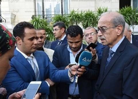 شريف إسماعيل يلتقي وزير الري لمتابعة الأحوال الجوية