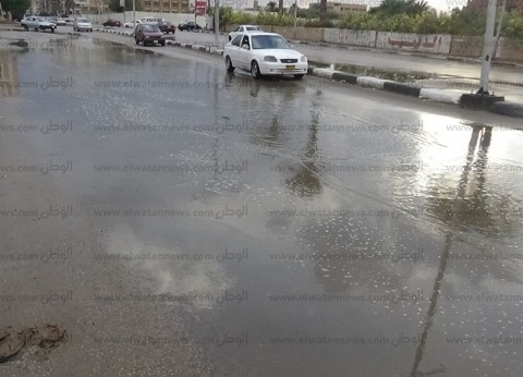 سقوط أمطار غزيرة وإصابة 6 أشخاص في انقلاب سيارتين بالسويس