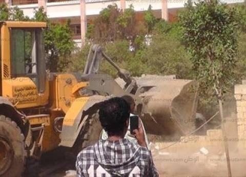 """إزالة 40 حالة تعد على أراضى زراعية بـ""""أبو تيج"""" في أسيوط"""