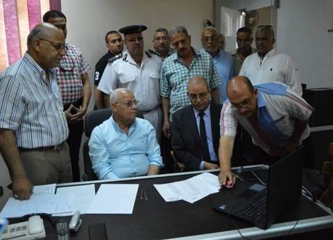 محافظ بورسعيد يتفقد غرفة عمليات امتحانات الثانوية العامة