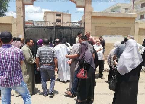 """إغماء طالب أثناء امتحان """"الجبر والهندسة"""" للثانوية الأزهرية في قنا"""