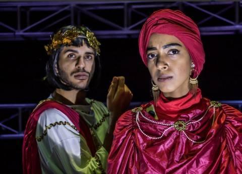 أول سيدة تشارك الرجال فى عرض مسرحى بالسعودية: «حكاية الإمبراطور» تجربة جريئة