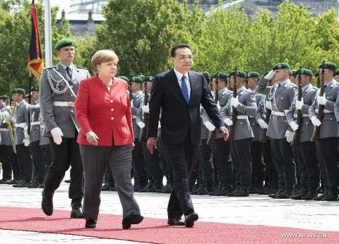 رئيس مجلس الدولة الصيني: سنواجه الحمائية بالانفتاح