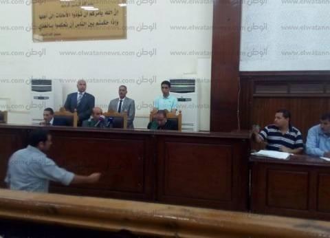 """بدء جلسة محاكمة بديع و 92 آخرين في """"عنف بني سويف"""""""