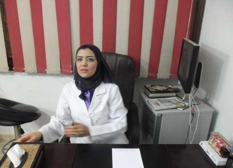 """طبيبة مصرية تحصل على وسام التميز الفرنسي عن بحث """"العودة للطبيعة"""""""