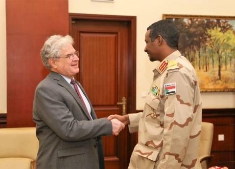 """""""حميدتي"""" يعقد أول لقاء دبلوماسي للسلطة الجديدة في السودان"""