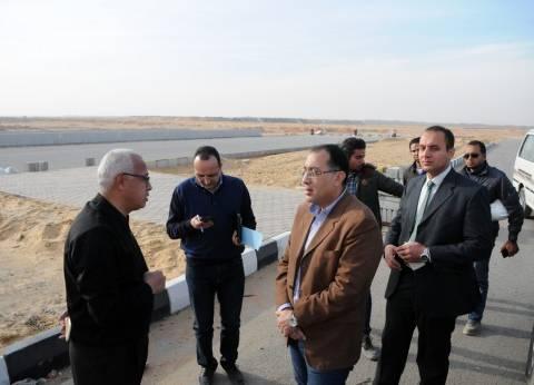 وزير الإسكان يتفقد الطريق الدائري الجديد بمدينة 6 أكتوبر