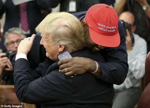 """كاني ويست داخل البيت الأبيض: ترامب في رحلة البطل.. """"أنا أحب هذا الرجل"""""""