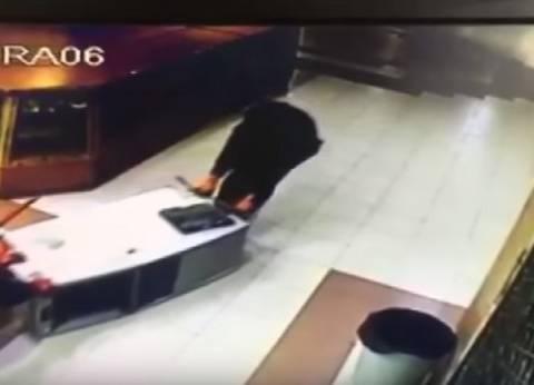 """ضبط عاطل بتهمة سرقة """"فيزا كارد"""" من كبار السن في رمسيس"""