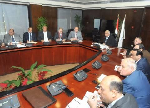 وزير النقل يتابع خطة استثمار أراضي السكك الحديدية والقابضة للطرق