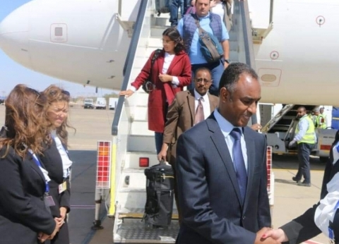 بدء وصول ضيوف ملتقى الشباب العربي الأفريقي إلى أسوان