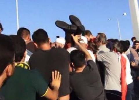 """""""سكاي نيوز"""": ذبح أحد جنود الانقلاب والاعتداء على آخرين في """"البسفور"""" التركية"""
