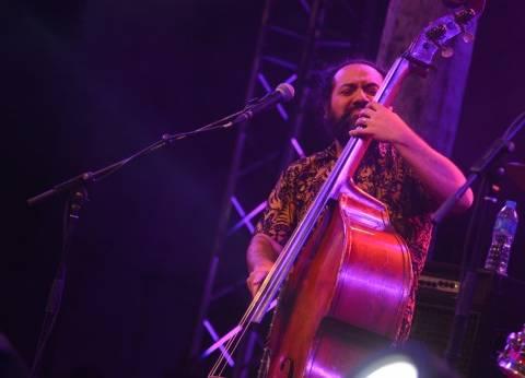 بالصور| تانيا صالح تقدم أغانيها بمصاحبة حازم شاهين في أول أيام مهرجان الجاز
