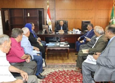 محافظ المنوفية يعقد اجتماعا بالمجلس التنفيذي المصغر في مدينة السادات