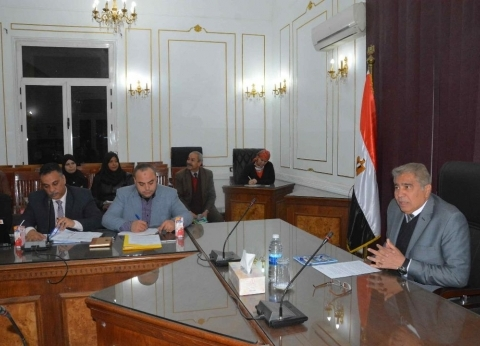 محافظ المنيا ينعى ضحايا حادث قطار محطة مصر