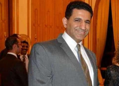 سفير مصر في بلجراد يكرم طالبة فلسطينية