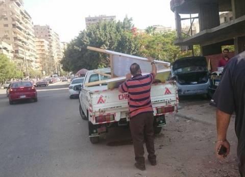 محافظ القاهرة يوجه بإزالة جميع الإعلانات على المباني التراثية