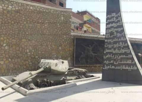 """تزامنا مع أعياد أكتوبر.. ياسين طاهر يبحث تطوير متحف """"دبابات أبو عطوة"""""""