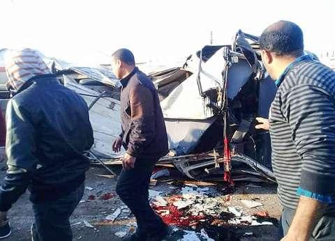 الصور الأولى لحادث تصادم 5 سيارات على الطريق الزراعي بالبحيرة
