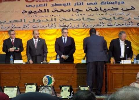 وزير الآثار يلتقي بممثلي الجامعات المصرية لبحث سبل التعاون