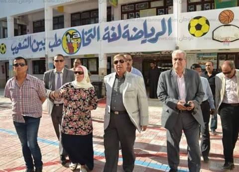 مدير أمن الإسكندرية يلتقي أبناء شهداء الشرطة في المدارس