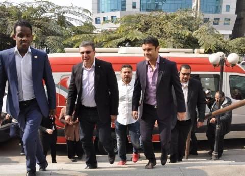 بالصور| عمرو الليثى وأحمد حسن يشاركان في حملة للتبرع بالدم