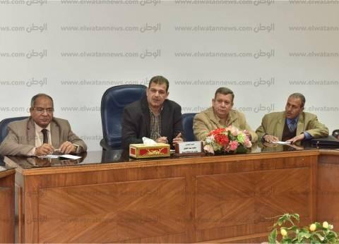 محافظة أسيوط تناقش مقترحات تطوير قرى الظهير الصحراوي بالمراكز