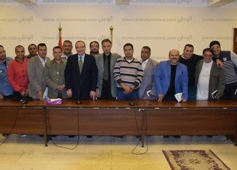 """محافظ بني سويف: """"يتم إنشاء 300 كوبري في مصر.. لماذا الهجوم على محور عدلي منصور؟"""""""
