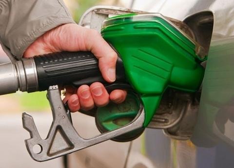لقائدي السيارات.. 4 طرق لترشيد استهلاك البنزين
