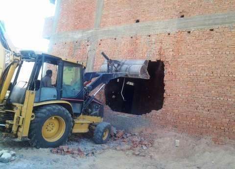 """""""أمن المنيا"""" ينفذ 126 قرار إزالة في 5 مراكز"""