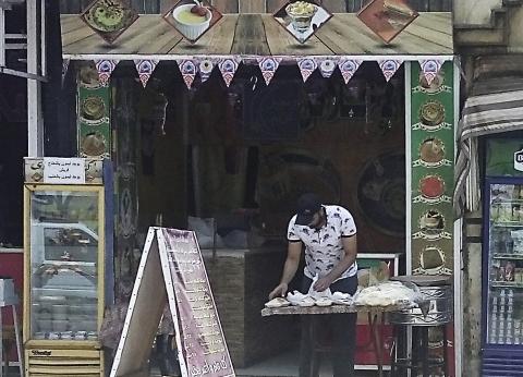 اللهم إني صائم.. «الطالبية»: محلات الشاورما غيَّرت لـ«الكنافة» وقِدرة الفول «أيقونة الشوارع» تتحدى التكاتك